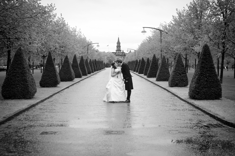 Sloans wedding photography, Glasgow, Glasgow green wedding photography