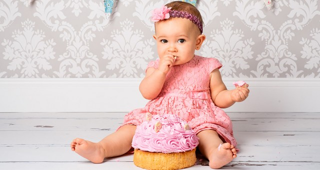 Sofia's Cake Smash Photo Shoot
